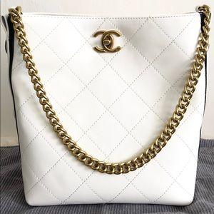 Chanel 10 x 9 x 5 White